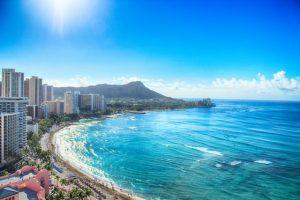 ハワイ旅行にクレジットカードは必要?クレジットカード事情を解説