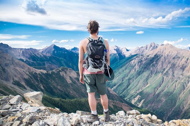 比較だけじゃない!海外旅行保険を安くする3つの方法