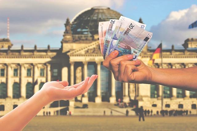 海外キャッシングの手数料:具体的な計算方法と手数料がお得なクレジットカードの選び方を解説