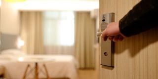海外ホテルをクレジットカードなしで宿泊前に確認しておくデメリットと予約方法